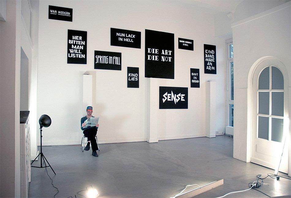 """""""SENSE"""" in der Ausstellung """"Typografisches Saufen"""""""