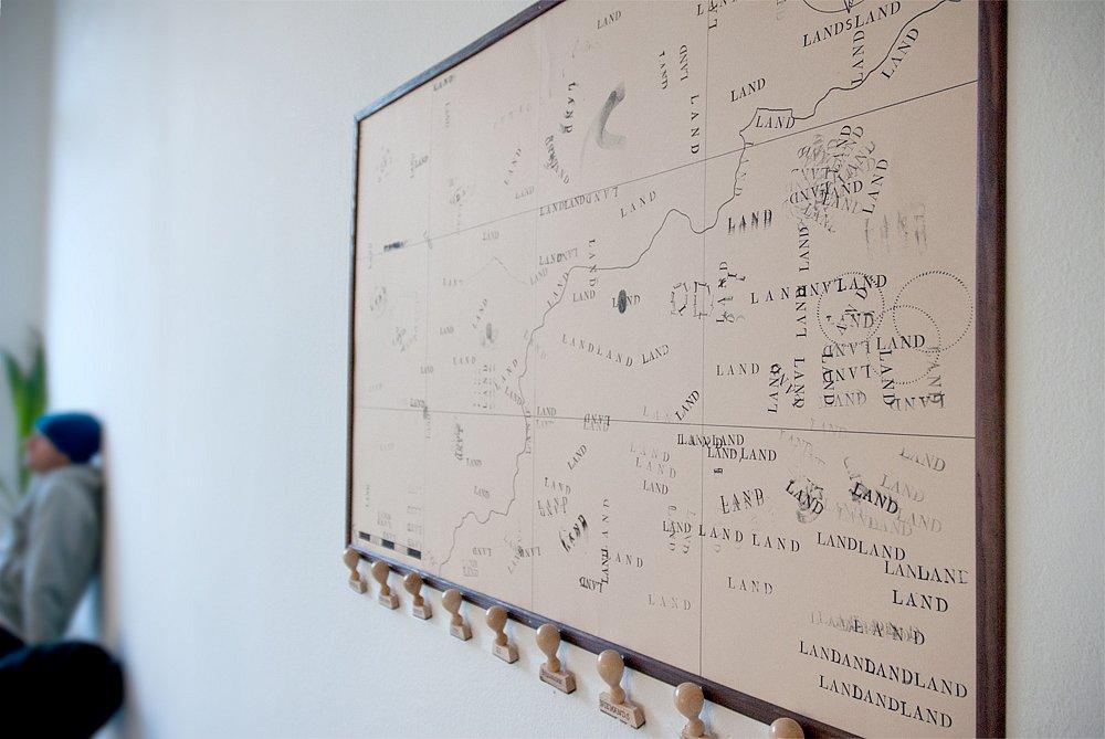 """""""LAND"""" in der Ausstellung """"Typografisches Saufen"""""""
